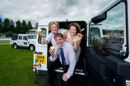 Perth-Racecourse-Land-Rover-Event-photos-for-web-use-9
