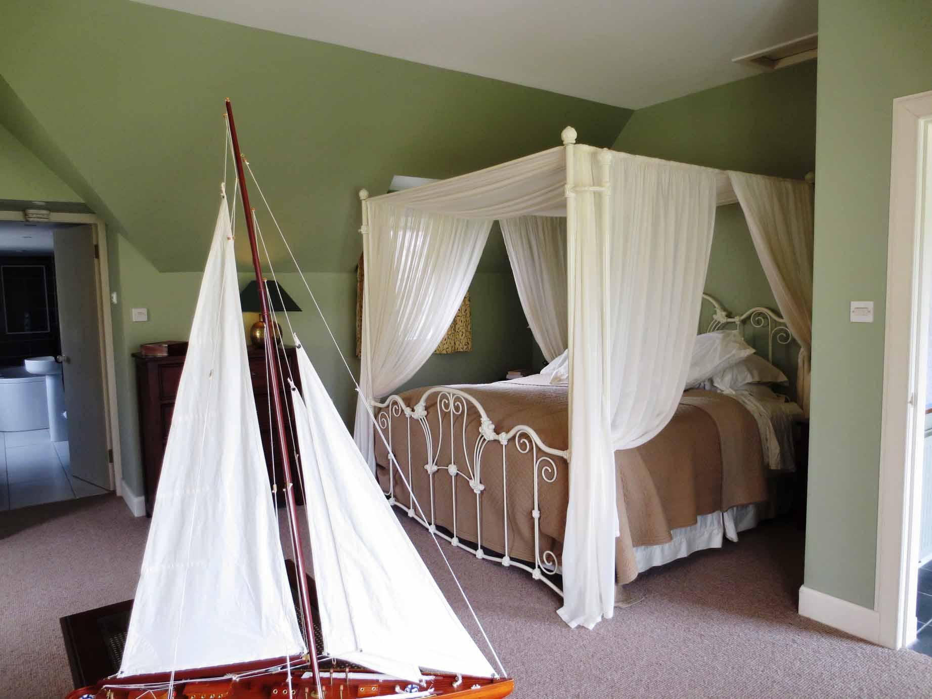 Blarich Schoolhouse bedroom