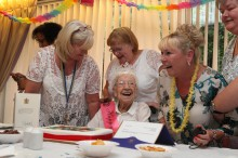 Bield Meg melvin 108th Birthday Dundas Court-6137