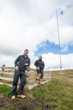 BANKS  KNOCKENDURRiCK....... IN PIC........... Callum Whiteford, left and Stuart Baungally, at the Metmast on the site. (c) WULLIE MARR/HPR