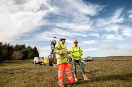 Banks Renewables' senior business development manager, Miles Crossley, visits the Quixwood windfarm site near Duns. IN PIC............. Miles chats with Craig Roger, technical manager at Holequest. (c) Wulllie Marr / Holyrood PR