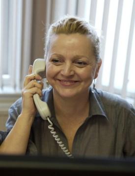 Bield BR24 woman phone