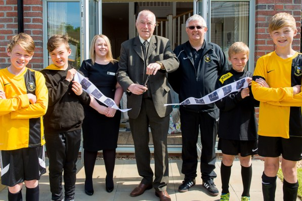 CALA Homes is officially launching its show homes at Kinleith Mill this Saturday (4th June) with the help of VIP guest local Councillor Bill Henderson, cala hOMES SALES ADVISOR kERRY and footballers from local Currie football team. (c) Wullie Marr/HPR
