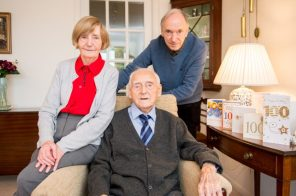 Photography PR captures Willie with daughter Peggy and son Graham