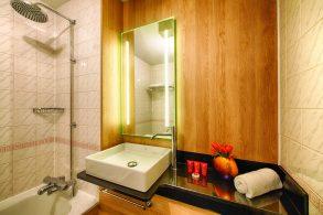 Bathroom in a room at Leonardo Royal Hotel Edinburgh