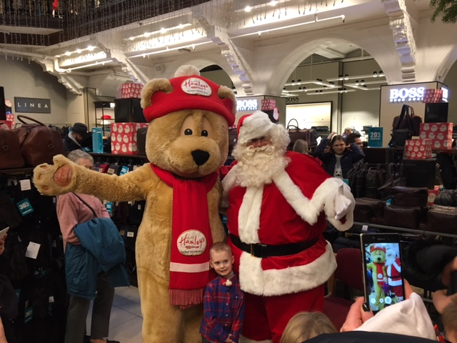 Little Star Helps Light Up Famous Jenners Christmas Tree Reports Charity PR