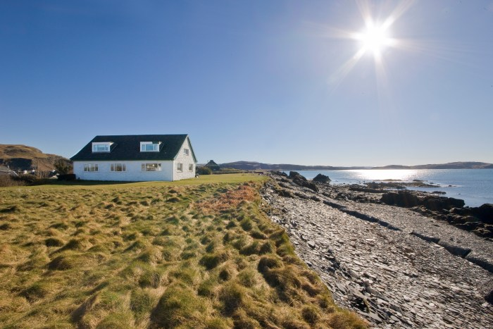 Property PR experts share a beautiful An Lionadh cottage on the Isle of Easdale