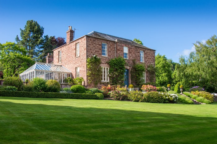 Property PR experts share stunning country home for sale