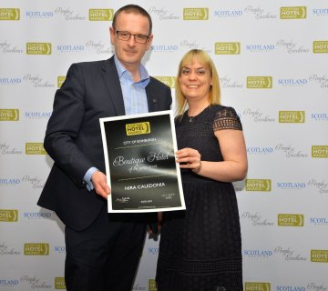 Nira Caledonia General Manager Chris Lynch presented with Scottish Hotel Award - hotel PR