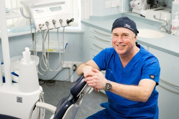 Health PR photography, Duncan Robertson Fairmilehead, Clyde Munro Dental Group.