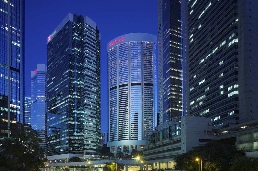 Hotel Review: Conrad Hong Kong