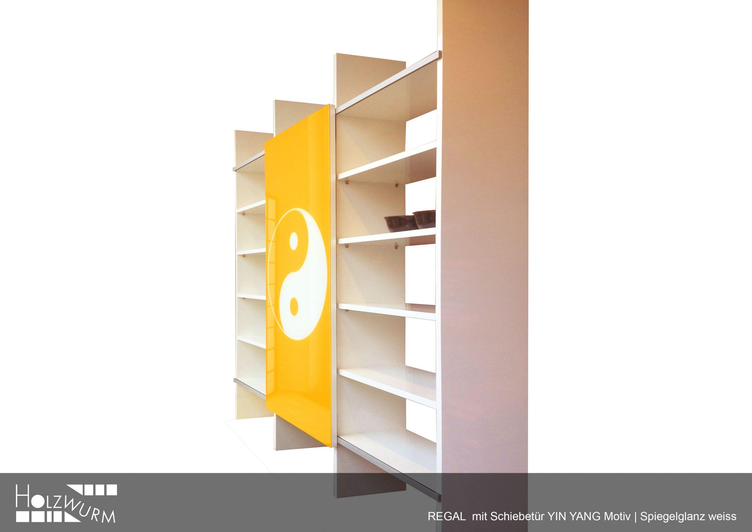 Regal weiss mit Farbglastür Motiv Yin und Yang