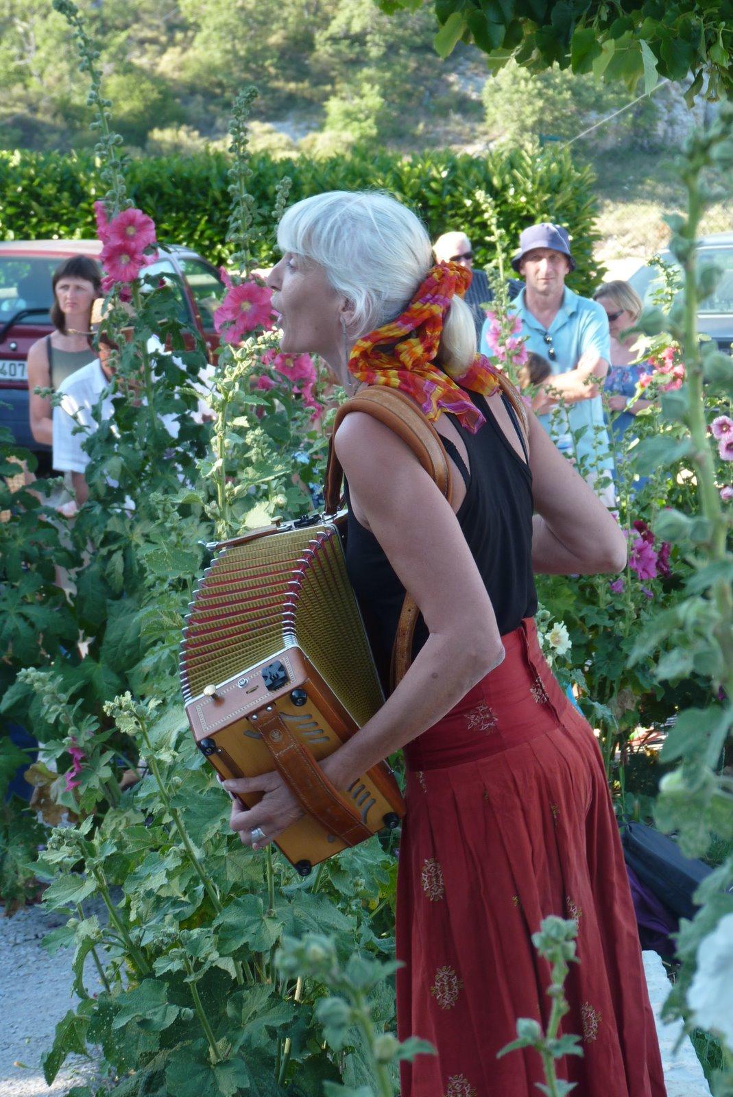 hombeline accordéon Banon en fête