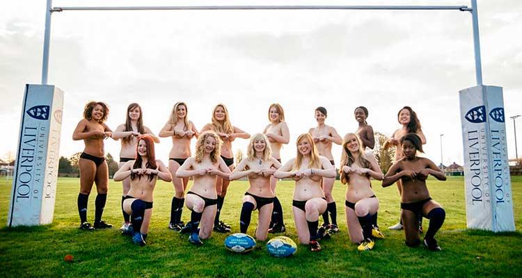 Jugadoras de rugby al desnudo