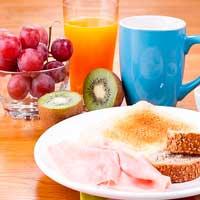 Los españoles desayunan rápido