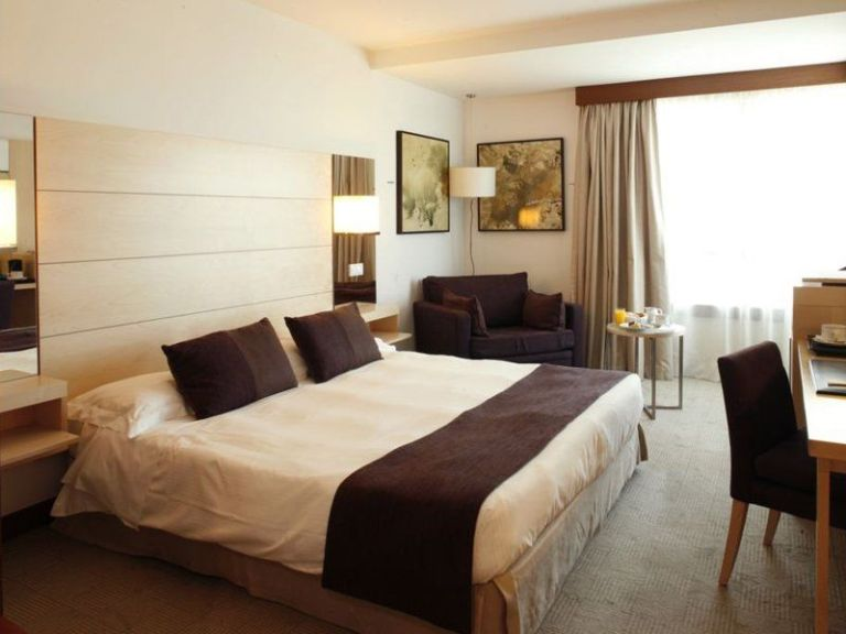 ¿Sabes por qué los hoteles no tienen la habitación 420?