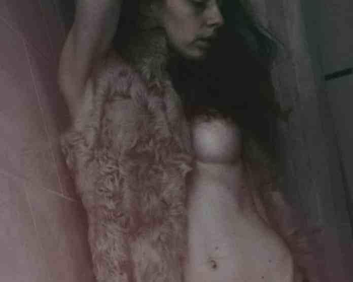 Jasmine Meyer autorretratos 17