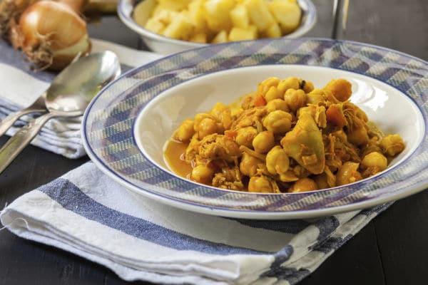 Receta saludable: Curry rápido de pollo y garbanzos