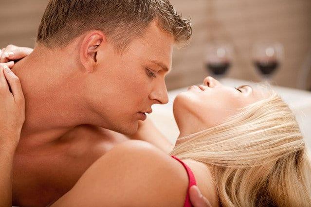 10 juegos eróticos con tu pareja para desatar la pasión sexual
