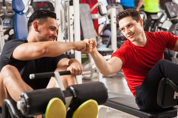 Rutinas de ejercicios que puedes hacer con tu pareja