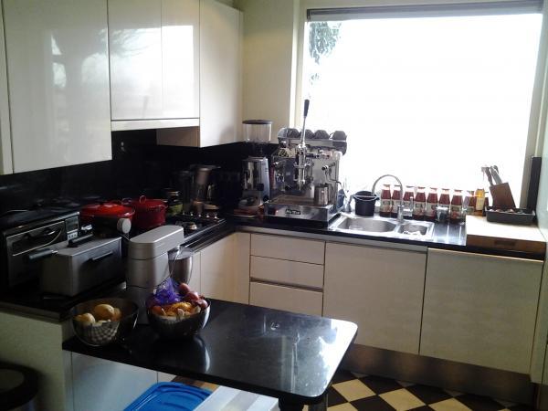 Small Kitchen Set Design