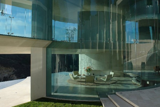 glass walls gorgoues home