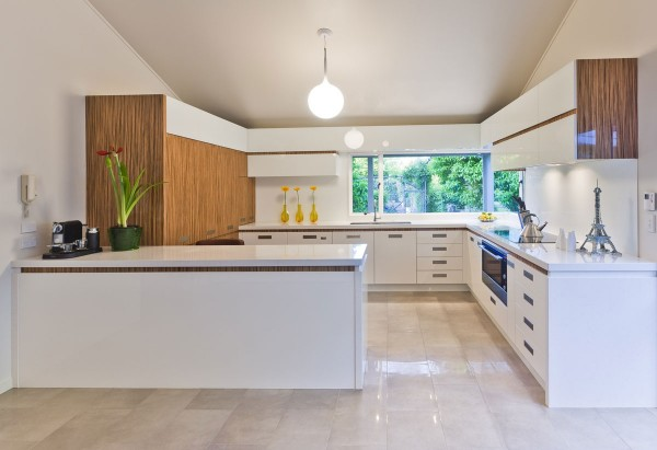 wood and white modern kitchen