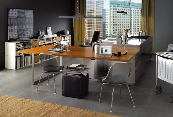 This office is complete with its very own kitchen space making it easy to both work and dine.
