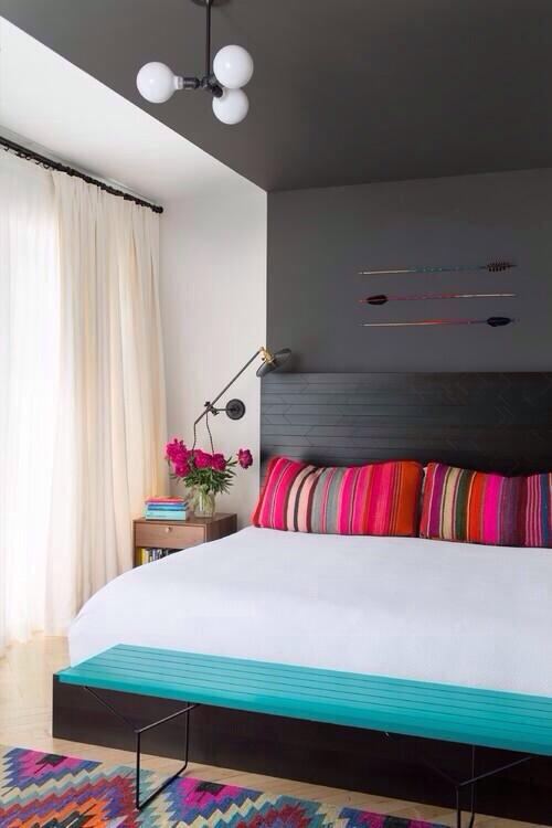 clip:グレーxネオンストライプ 寝室