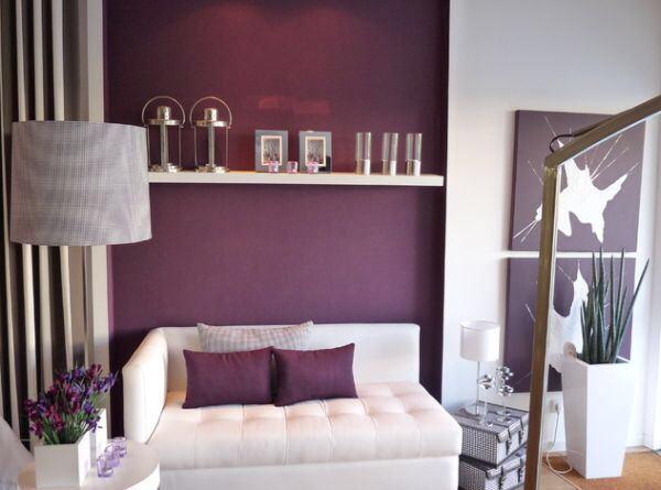 [cut]紫色に染まる部屋