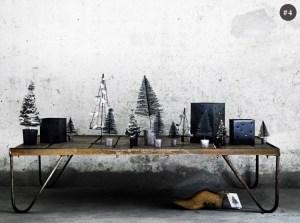 黒で揃えるクリスマスデコレーション
