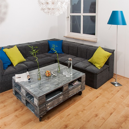 HOME DZINE Craft Ideas  Reclaimed pallet coffee table