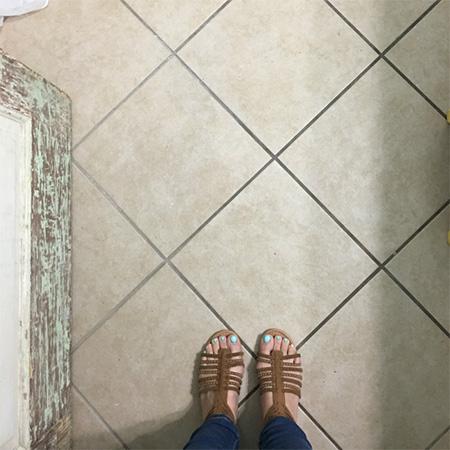 rust oleum chalked paint for bathroom floor