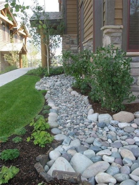 pebbles for creative edges for borders and beds