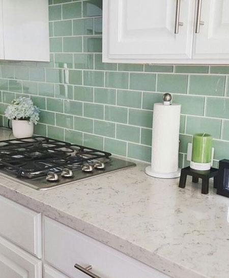 kitchen with 4 backsplash ideas