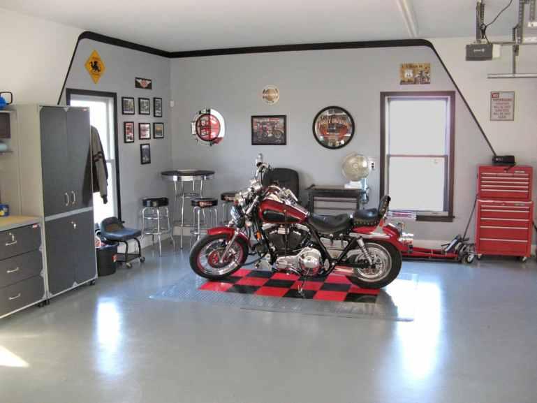 Harley Pub Garage