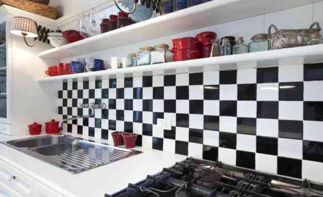 striking black and white kitchen wall tiles