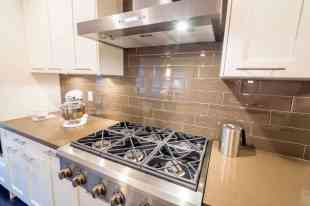 kitchen wall tiles with a fresh, clean look