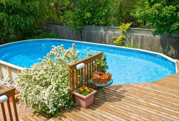 Landscaping for Small Yards with Pool