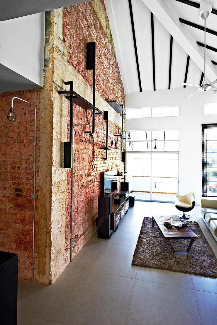 10 Industrialstyle homes with exposed pipes and trunking