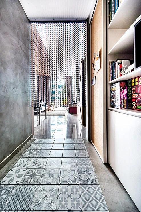 12 Great Ways To Dress Up Narrow Corridors Home Amp Decor