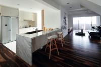 10 stylish open-concept kitchens with peninsula counters ...