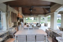 Country Style Houses with Pool and Outdoor Kitchen