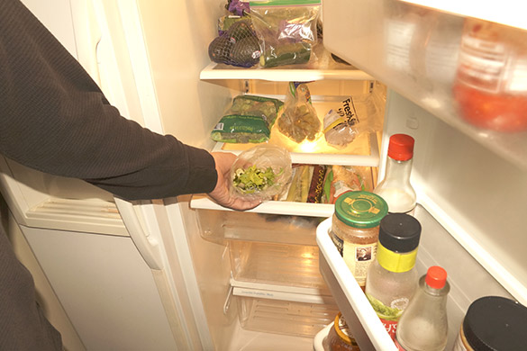 Dispose of perishable food from refrigerator
