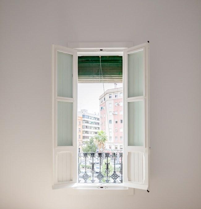 ANTES Y DESPUES REFORMA PISO ANTIGUO CON ENCANTO Un clásico renovado con elegancia en el centro de Valencia