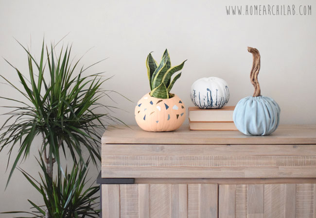 DECORACION DE OTOÑO CON CALABAZAS TRENDY Cómo decorar una calabaza Maxi Terrazzo, una calabaza Velvet y una calabaza Salpicada