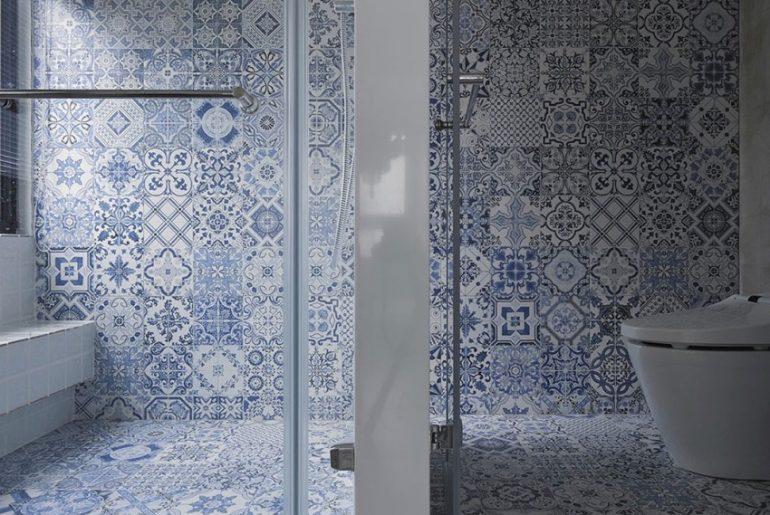 Delfst blauwe tegels in de badkamer  HOMEASE