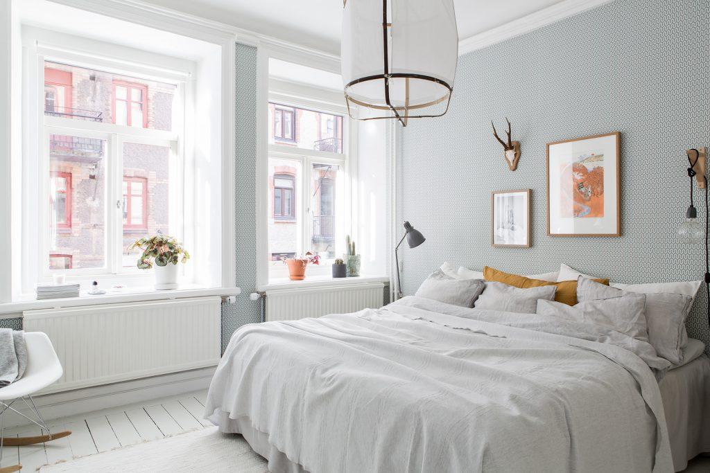 In deze mooie slaapkamer vind je een aantal hele leuke