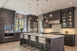 45+ Kitchens with Dark or Black Cabinets   Home Awakening