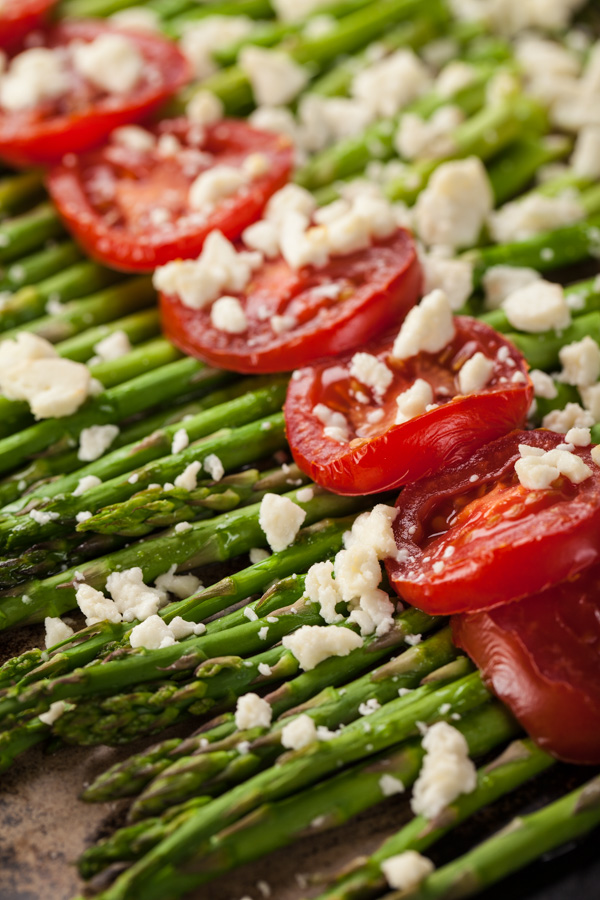 Healthy Menu Plan Roasted Asparagus with Sliced Tomatoes and Feta